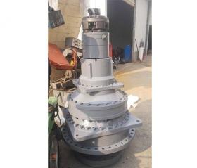 卷板机液压传动装置